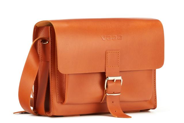 36875864c8b26 Dzięki swojemu designowi sprawdzi  Listonoszka skórzana VOOC Vintage P32.  Uniwersalna damska torebka na ramię. Dzięki swojemu designowi sprawdzi ...