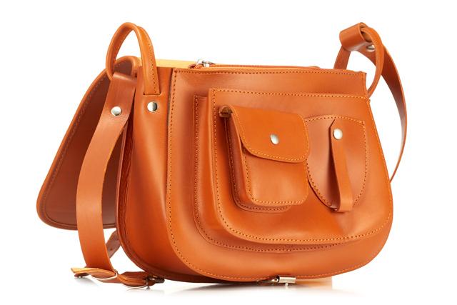 cf550348a5a72 To  VOOC Vintage P27. Listonoszka Vintage to torebka bardzo lubiana i  poszukiwana przez kobiety.